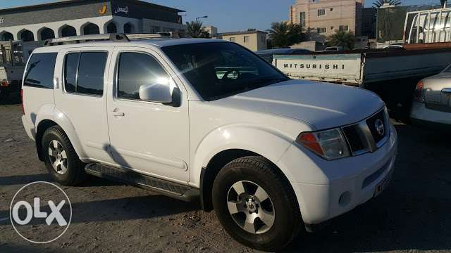Full option Nissan pathfinder sale with 15 months passing المحرق‎ -  3