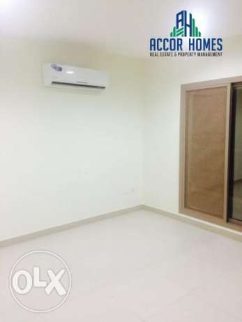 Super stylish, semi furnished 2 BHK flat in Hidd at BD 300/month