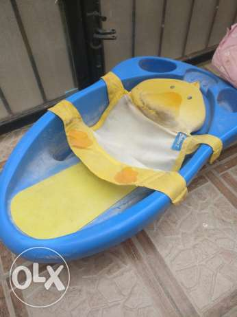 Baby bath tub and infant seat