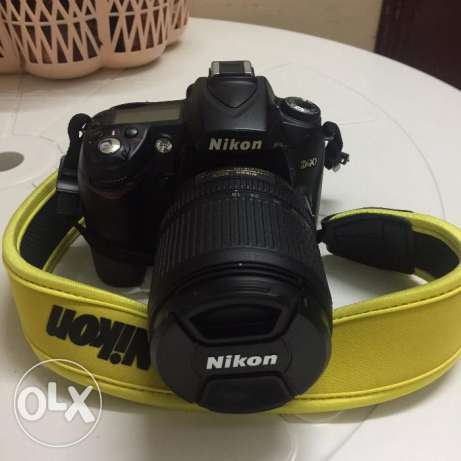 Nikon D D90 12.3 MP Digital SLR Camera Body with nikon lens 18 -105 mm