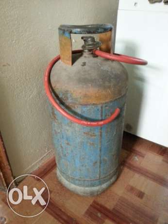 Saadik Gas Cylinder with Regulator and pipe. 25 BD with Delivery.