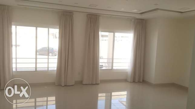 Semi furnished 2 BR flat in Janabiyah near to Almercado mall
