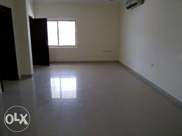 3 bedroom office flat for rent at Seef