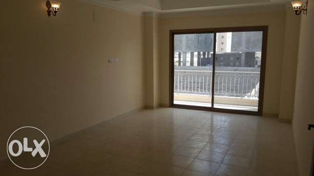 Brand new 3 BR flat in new Hidd / Balcony