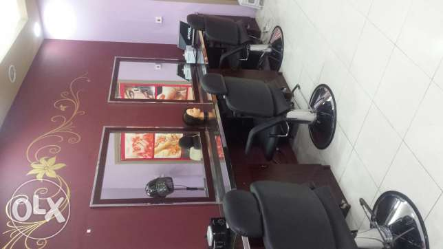 Ladies salon for rent or for sale