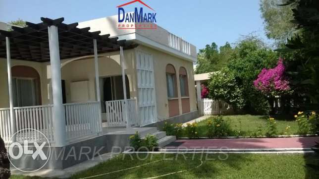 BARBAR Beautiful 3BR SF Private Villa with Private Garden for rent