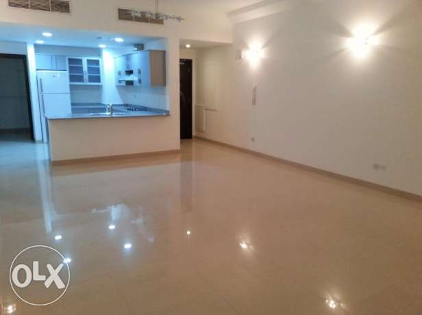 Lovely 2 Bedrooms semi furnished apartment in Amwaj island