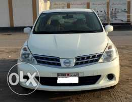 Nissan tiida 2009 1.6 family used car Excellent Condition