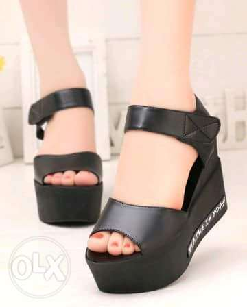 Ladies sandal size 38