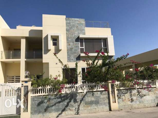 Amazing Modern 4 BR villa in Janabiya / Private pool