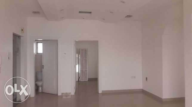 Commercial flat available for rent BD 500/- in Busaiteen.