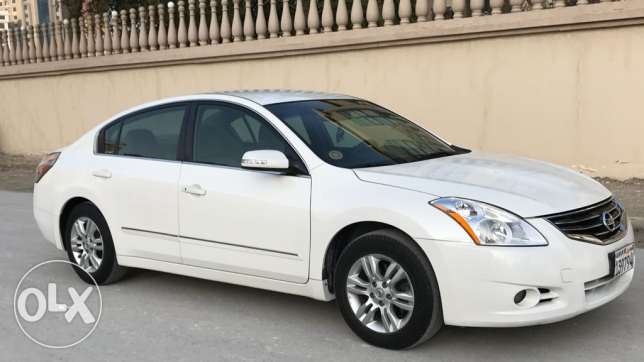 For sale NISSAN ALTIMA Model 2012 Full golden insurance
