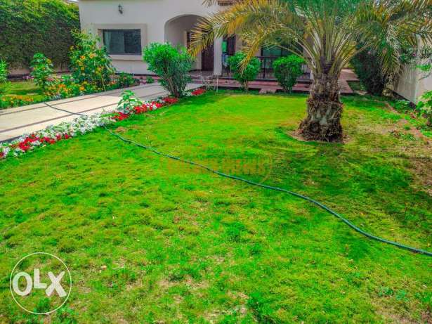 Beautiful 4 bedroom semi furnished villa with large private garden