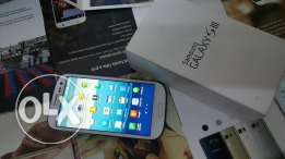 Samsung Galaxy s3 i9300 in excellent condition with box accessories