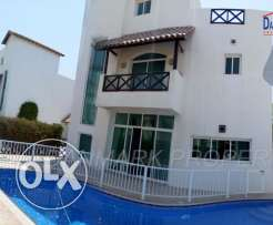 3 Bedroom Luxury Semi 2 Storey Villa with Private Garden& Pool fo rent