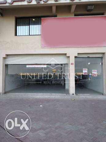 show room for rent in Busaiten in active location. Ref: BUS-KE-010