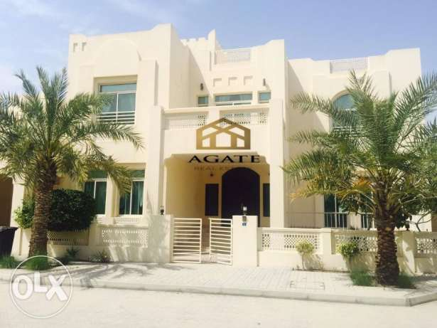 Semi furnished 4 bedrooms villa in Hamala compound