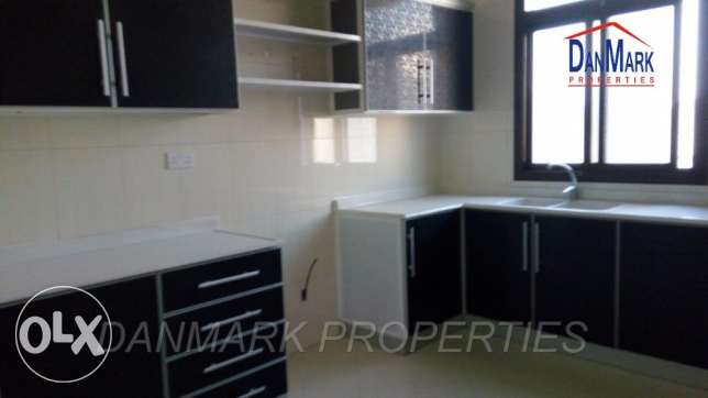 BD 400/ 3 Bedroom Semi Furnished Apartment for rent جانبية -  4