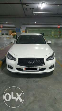 Well maintained clean car Q50