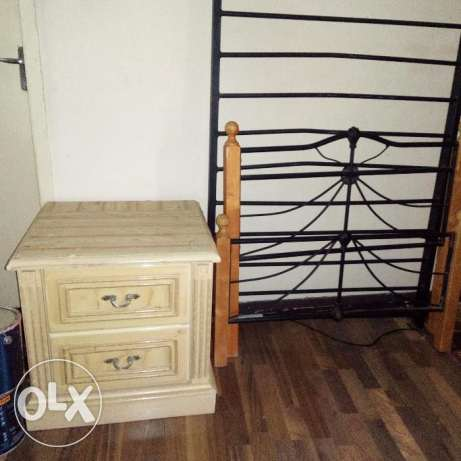 Bed side table for sale bd 8