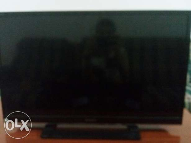 Almost new 32 inch Sony Bravia TV used