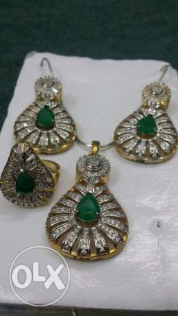 Green emerald artificial set Jewelry