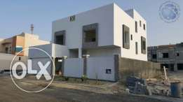 Five Bedrooms Villa Available for Sale