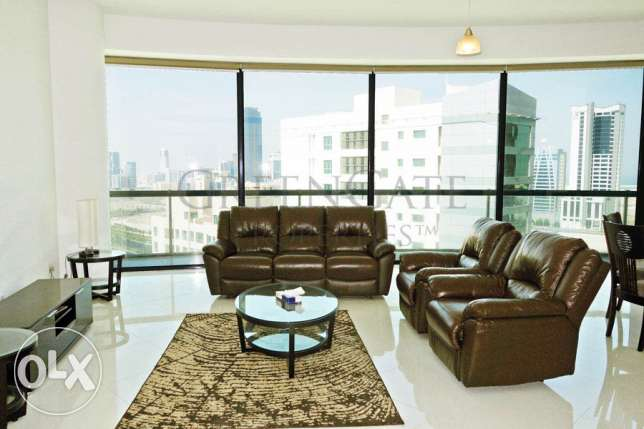 Loft Style 2br Apartment with Sea Views!