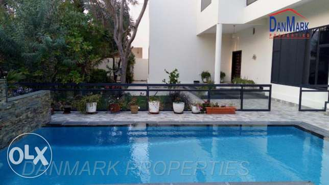 Luxury Private Villa with Private Garden &Pool SAAR