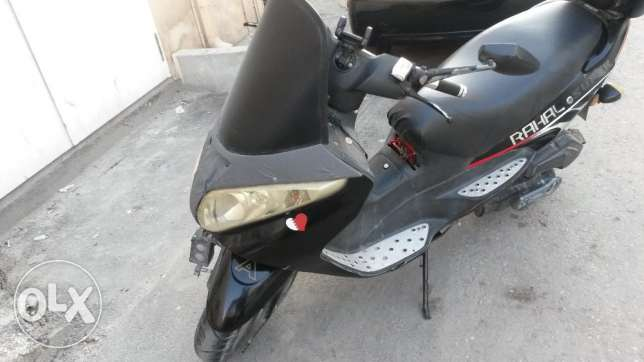 For sale Scooter rahal 85000 mileage With new insurance,sound and chr