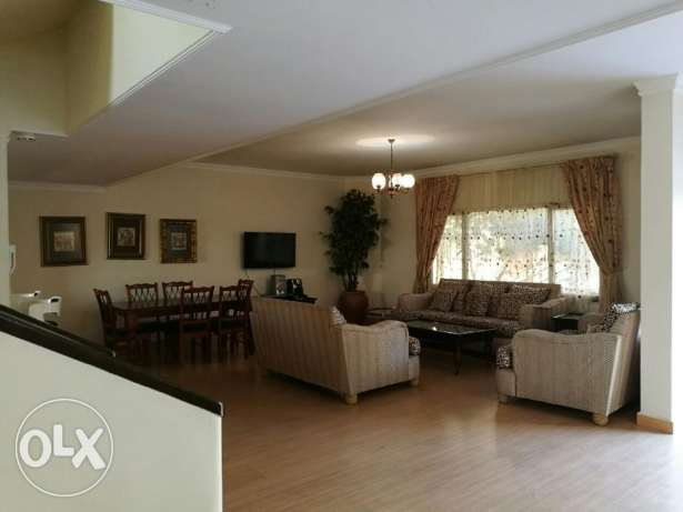 Luxury Fully Furnished 4 Bedrooms Villa for Rent in Juffair
