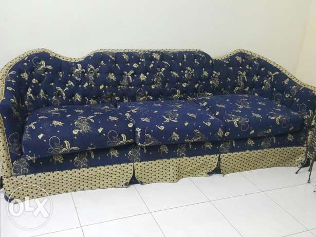 Sofa set 6 setar almost new
