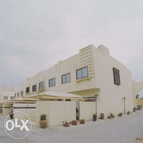 Compound Villa FOR SALE (BlueWater Barbar)