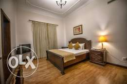 FULLY FURNISHED-POOL,GYM,HOUSE KEEPING-2bedroom,3bath,hall,kitchn,park