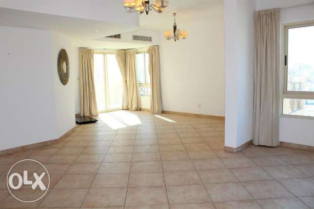 (REF;2MZA) 3BR fully furnished big penthouse with big balcony for rent