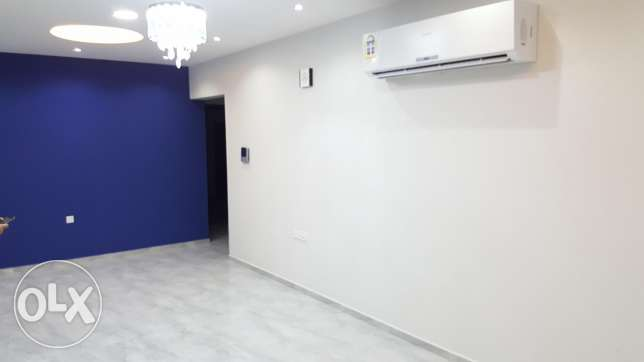 Semi furnished/ new hidd 3 BHK aprt with balcony