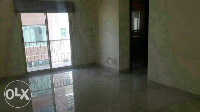 Semi 2 BHR flat in Hidd / Balcony