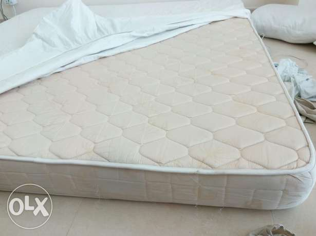 For sale matress 2mx2m excellent state with cover