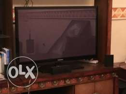 Western Expat selling his Samsung Plasma TV and complimenting Samsung