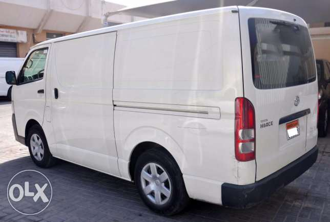 Toyota Hiace Cargo Van for sale ام الحصم -  2