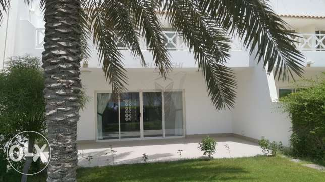LOVELY STUNNING 4 BR SemiI Furnished VILLA for Rent