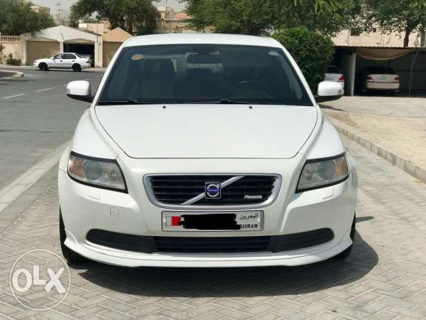 Fully loaded Volvo S40 R-design for sale