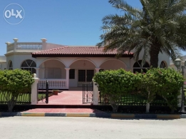4 Bedroom semi furnished villa with huge private garden,pool