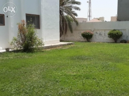 4 Bedroom semi furnished villa with large private garden exclusiv