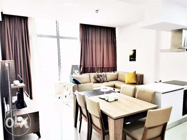 Large and Modern 1BR, High Floor, Partial Sea View