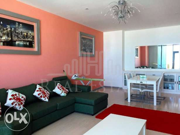 Luxurious 2-bedroom Apartment with Large Balcony