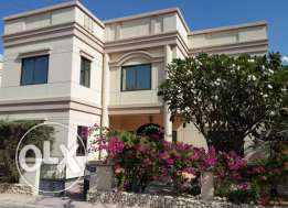 4 bedroom semi furnished villa fo rent