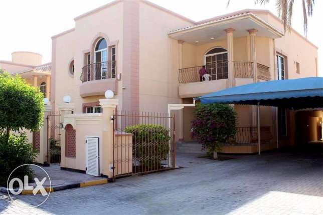 JBA32 5br semi furnished villa for rent in close to saudi cause way