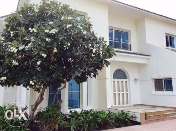 JANUSSAN EXECUTIVE 4 bedroom compound villa wth private pool