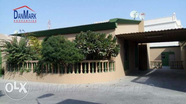 3 BR Single Story Villa with Private Garden for rent near Saar Mall